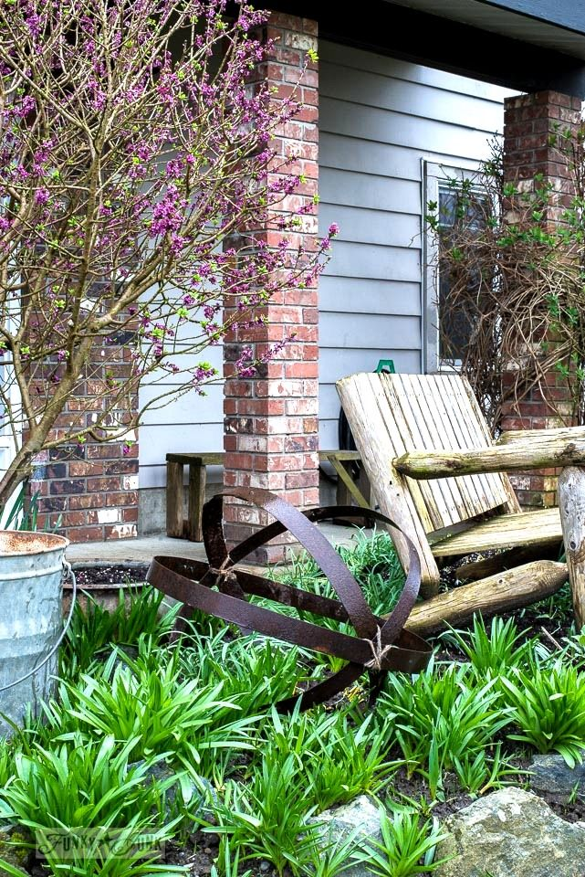 832 best images about outdoors gardens with junk on for Funky garden designs