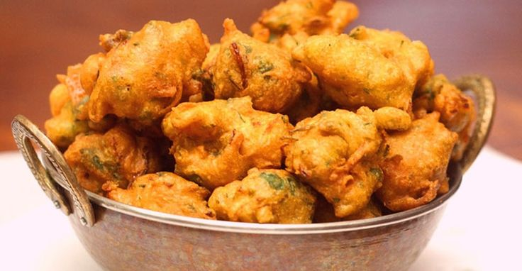 how to make best easy homemade onion pakora indian ramadan iftar recipe step by step with image