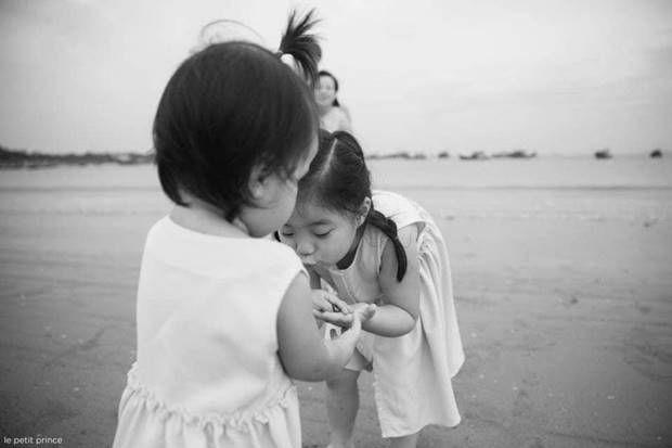 فوتوسيشن عائلي مليء بالحب مع الاطفال علي البحر Family Photo Sessions Photo Sessions Baby Face