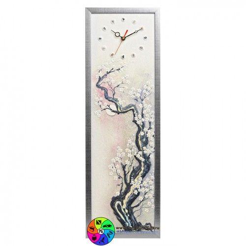 Часы из песка с розовой сакурой. Завораживают, рисунок рельефный и песочный.
