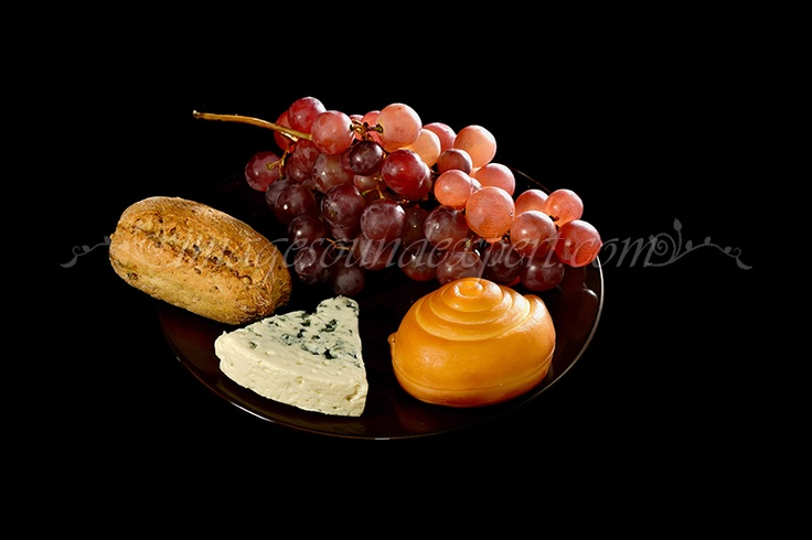 Fotografie produs - fructe de toamna / Product Photo - fruit of autumn / Product Photo - Obst im Herbst / Photo du produit - fruit de l'automne  (struguri, cascaval, branza cu mucegai albastru, grapes, blue cheese, trauben,   blauschimmelkase, raisin, fromage bleu)