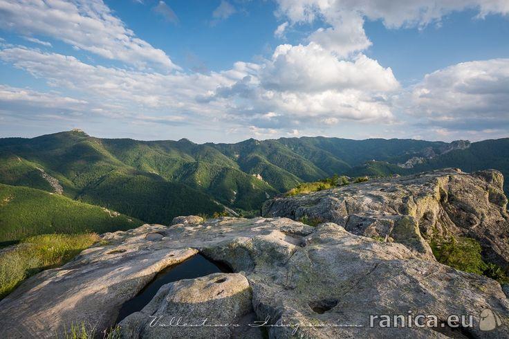 "Тракийско светилище ""Белинташ"" http://www.ranica.eu/#!article,35001  Автор: Валентин Манолов http://www.ranica.eu/#!Valentin4000"
