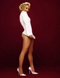 sexy boudoir shoot idea, great heels! #boudoir #white
