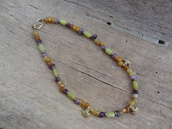Agate, amethist and jade bead necklace with brass pendants- Jaana Hopkins- Helmien talo