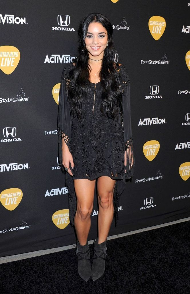 Ashley Tisdale And Vanessa Hudgens, Guitar Hero Live Launch : Global Celebrtities (F) FunFunky.com