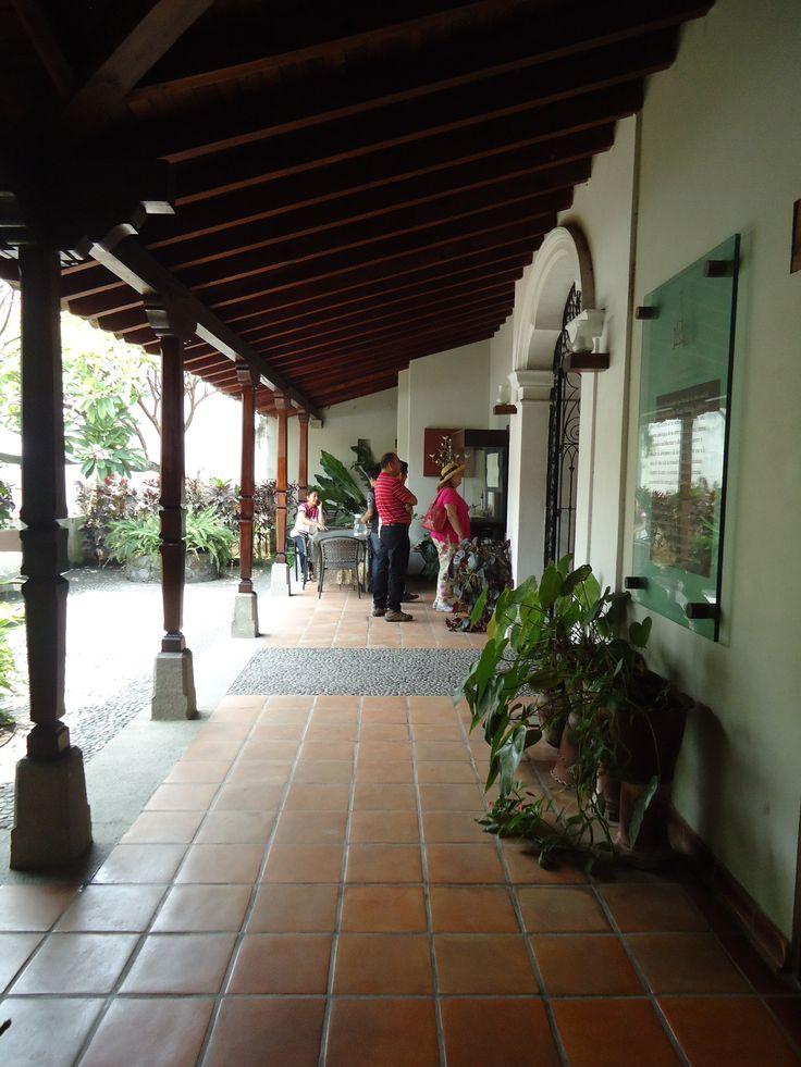 Los pasillos previos a las exposiciones