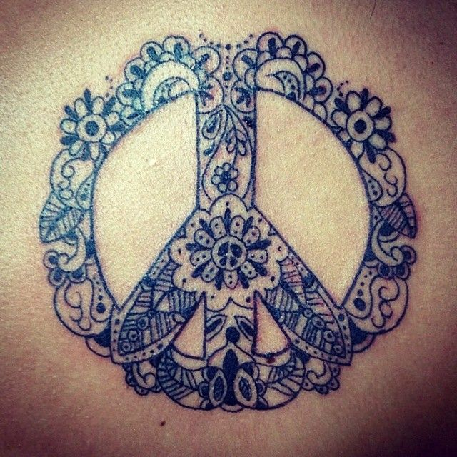 peacesign paisley blackandwhite tattoo - want this one so badly! Or a varient of it.                                                                                                                                                     More