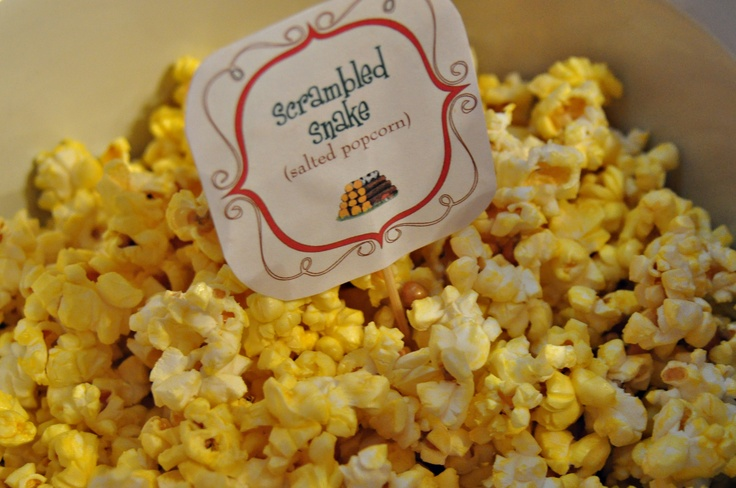 SCRAMBLED SNAKE :: popcorn with nutritional yeast sprinkled on for flavouring.