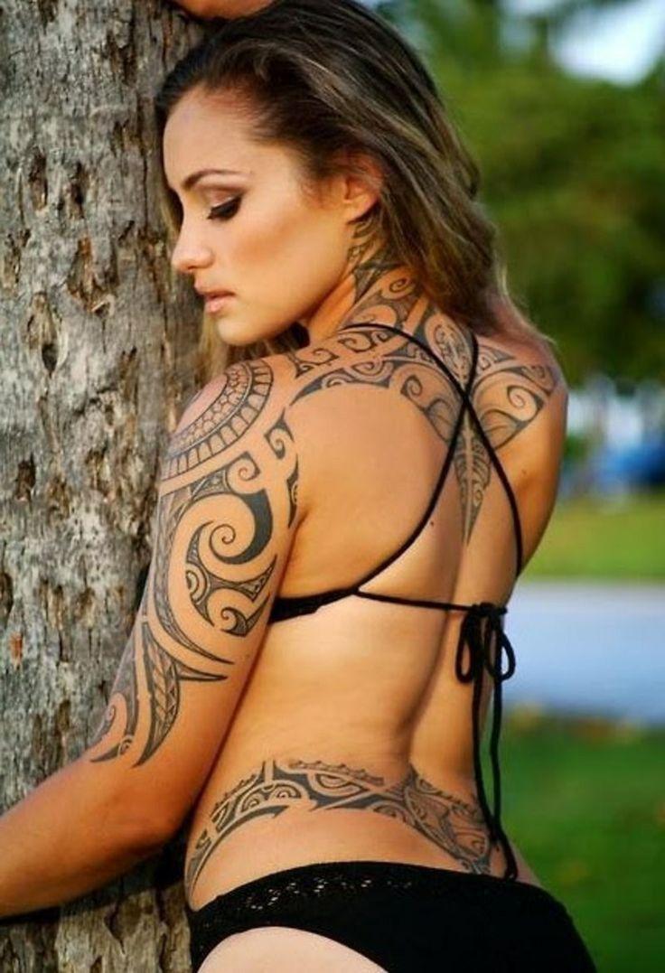 Samoa Tattoo Ganzkörper Rücken Frau sexy