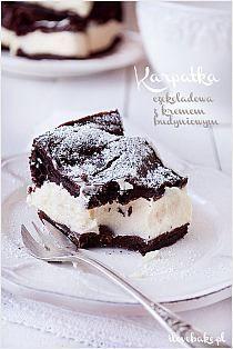 Karpatka czekoladowa z kremem budyniowym