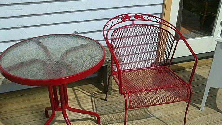 Spraypainted outdoor furniture