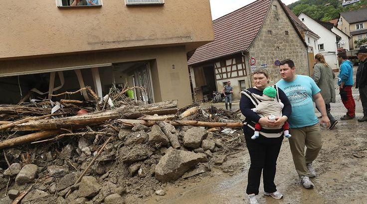 Θανατηφόρες πλημμύρες στη Βαυαρία - Εικόνες απόλυτου χάους