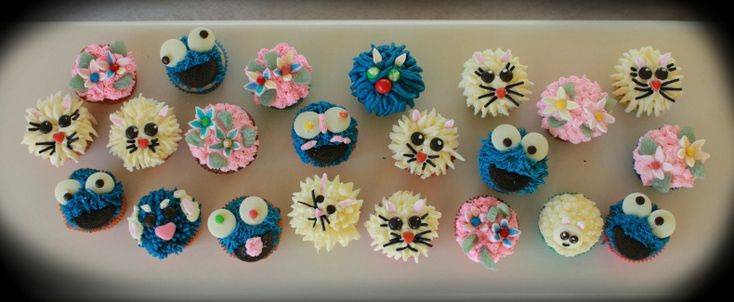 School Holiday Class - Cupcakes Level 1 with Artistry In Icing, School of Cake Design Buttercream # Lollies # Piping Skills