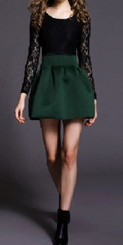 So Pretty! Emerald Green and Black Lace Party Dress Holiday Fashion #Emerald #Green #Black #Lace #Party #Dress #Holiday #Fashion