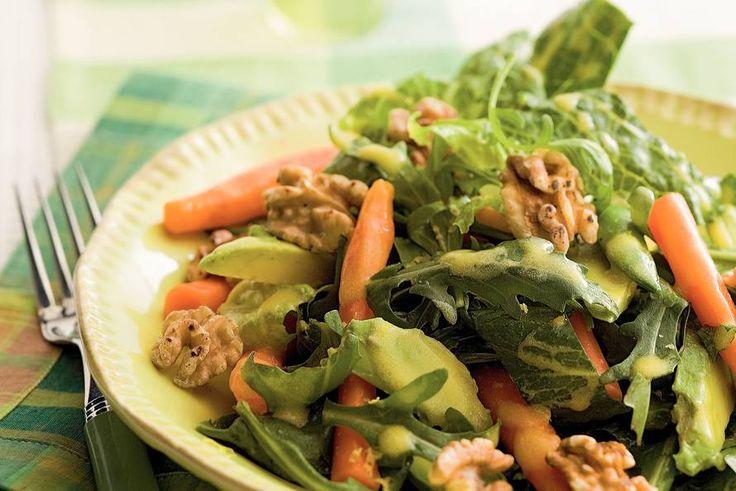 Kijk wat een lekker recept ik heb gevonden op Allerhande! Salade met wortel en noten