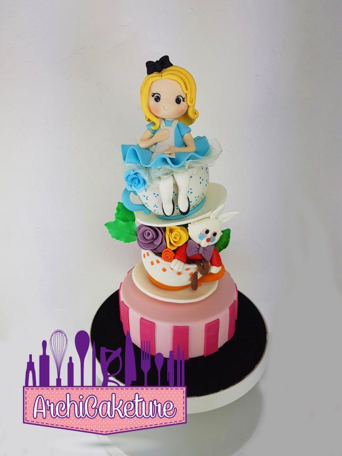 Alice In Wonderland  - Cake by Archicaketure_Italia