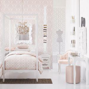 Luscious bedroom dressing room walk-in wardrobe decor.jpg