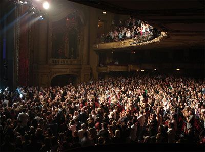 Broadway Theatre | Broadway Theatre Etiquette - Tips, Do's, and Don'ts For Audiences