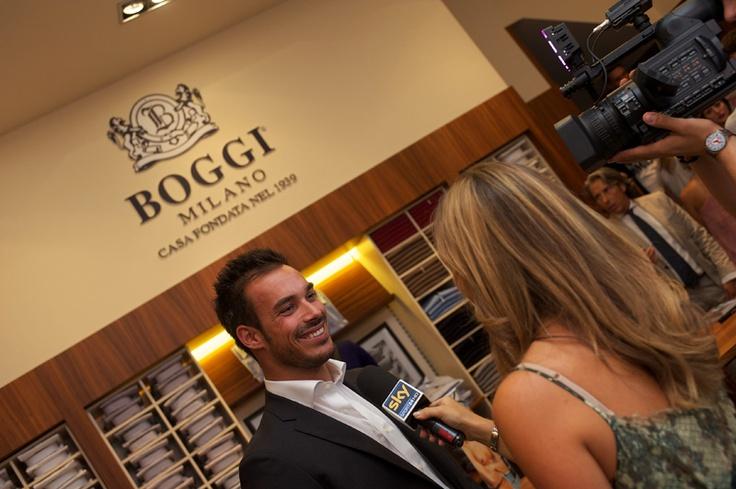 Luca Marin allo store Boggi Milano durante la Vogue Fashion's Night Out 2012