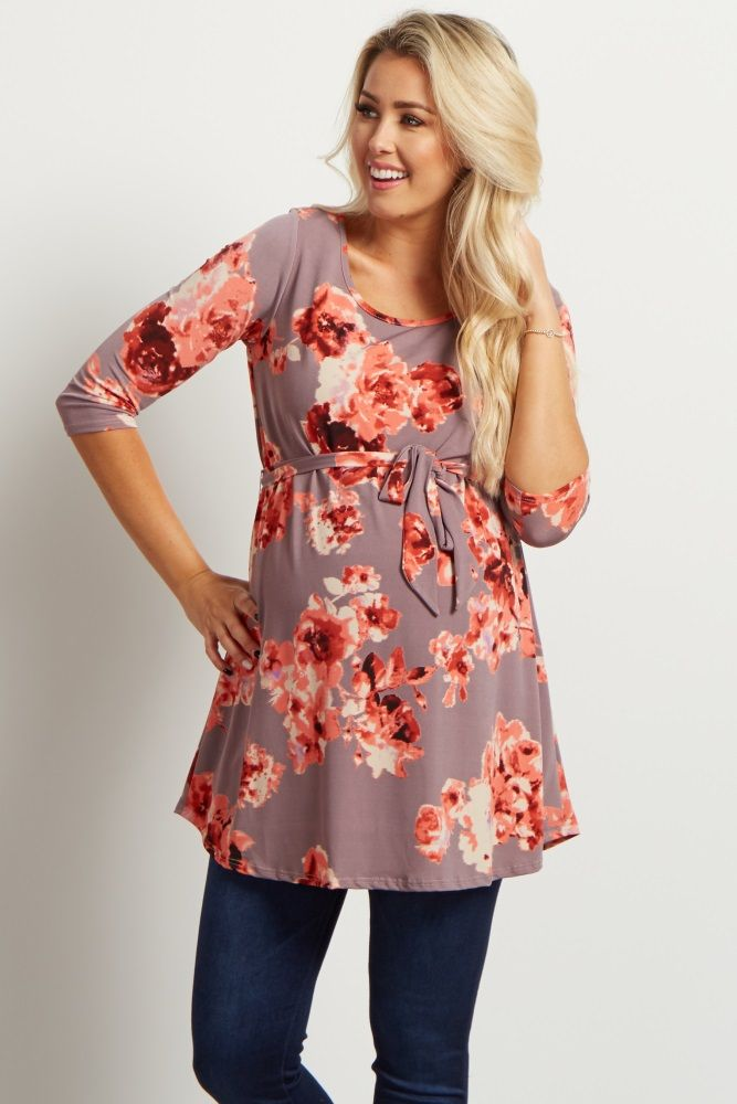 We love this simple, floral sash tie maternity top! This top will be your new go-to piece for all your casual occasions this year. Pair this top with your favorite maternity jeans, boots, and a long delicate necklace for a totally chic ensemble.