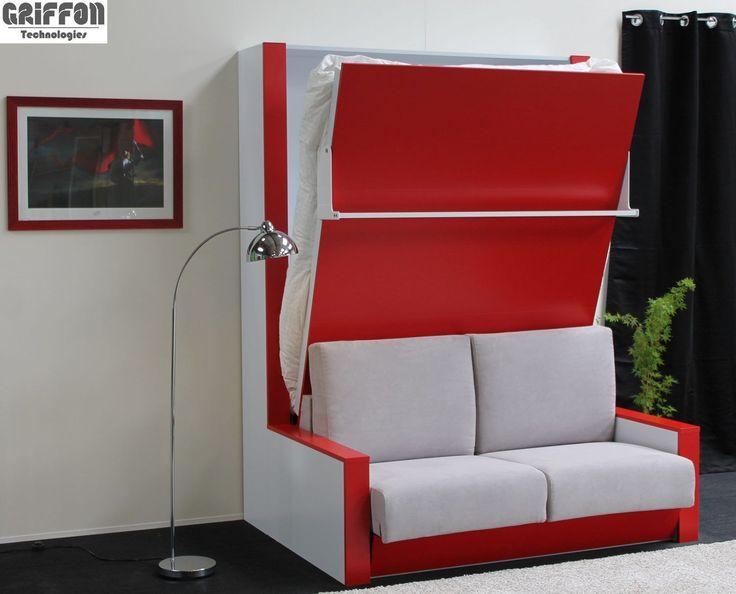 Lit escamotable Griffon avec un canapé haut de gamme dans un meuble fonctionnel et design. Structure et façade laque blanc et rouge avec tissu gris clair.
