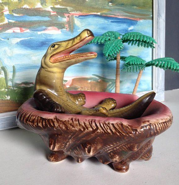 Vintage Florida Souvenir Spelter Alligator Ashtray