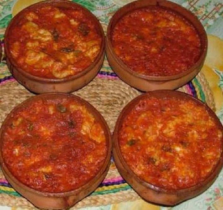 Gnocchi al forno con sugo di pomodoro e basilico