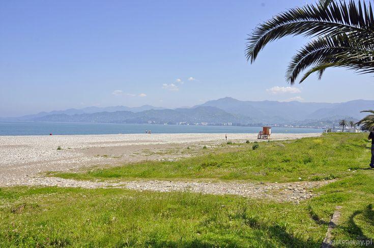 Herbaciane pola Batumi i magnetyczne piaski Ureki