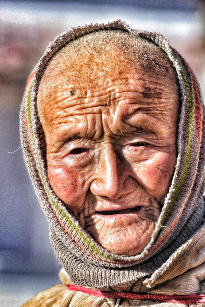 #Tibet #tibetan #woman #travel #portrait #face