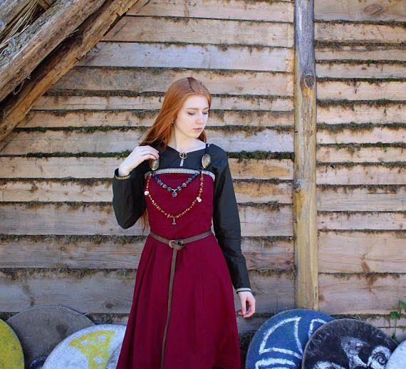 Viking vestido Morgana con ajuste céltico vestido