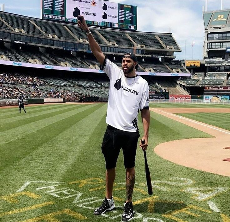 #JaValeMcGee and #Goldenstatewarriors host celebrity charity softball game at Oakland Coliseum on Saturday June 24. #KevinDurant, #DraymondGreen, #AndreIguodala, #MattBarnes, #IanClark, and #PatrickMcCaw all attended.