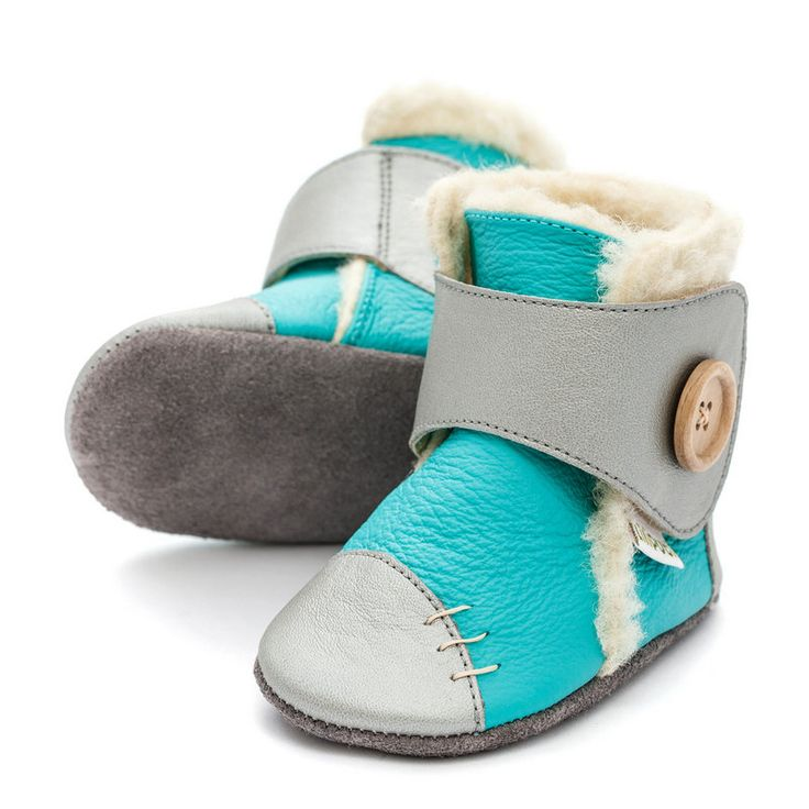 http://www.liliputibabycarriers.com/soft-leather-baby-boots/soft-soled-booties-snowflake-turquoise