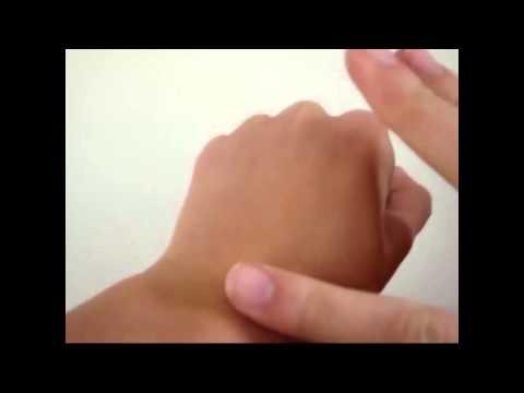 Crema de maini cu miere si lapte pentru maini uscate si crapate. Afla ce spun cei ce au incercat-o. http://youtu.be/-cXMnqwOvE4