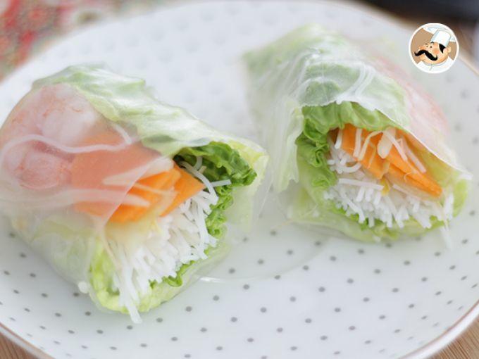 Venidos directos desde Asia, y más particularmente de Vietnam, estos rollitos de primavera son frescos y crujientes en el interior, que acompañados de una salsa de soja, hará que tu comida o cena sea de lo más deliciosa, a la par que saludable :) -...