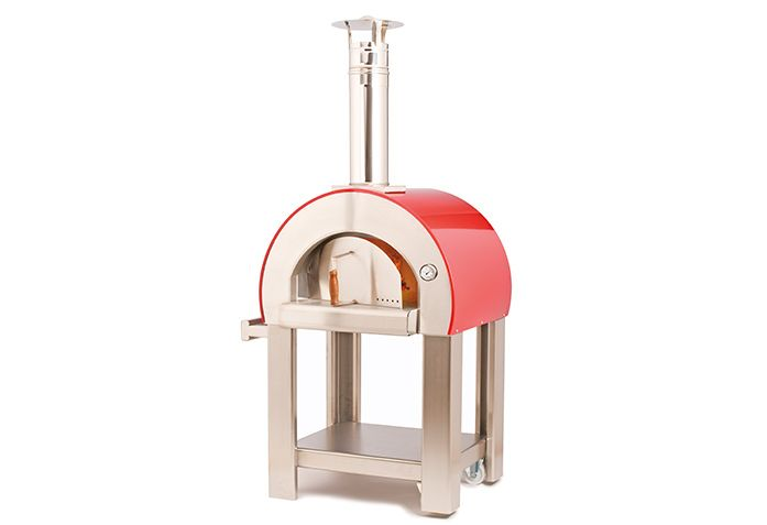 The 5 Minuti oven is easier than the barbecue grill. It turns on in 5 minutes with small pieces of wood and is immediately ready to cook. It comes complete with a base ...