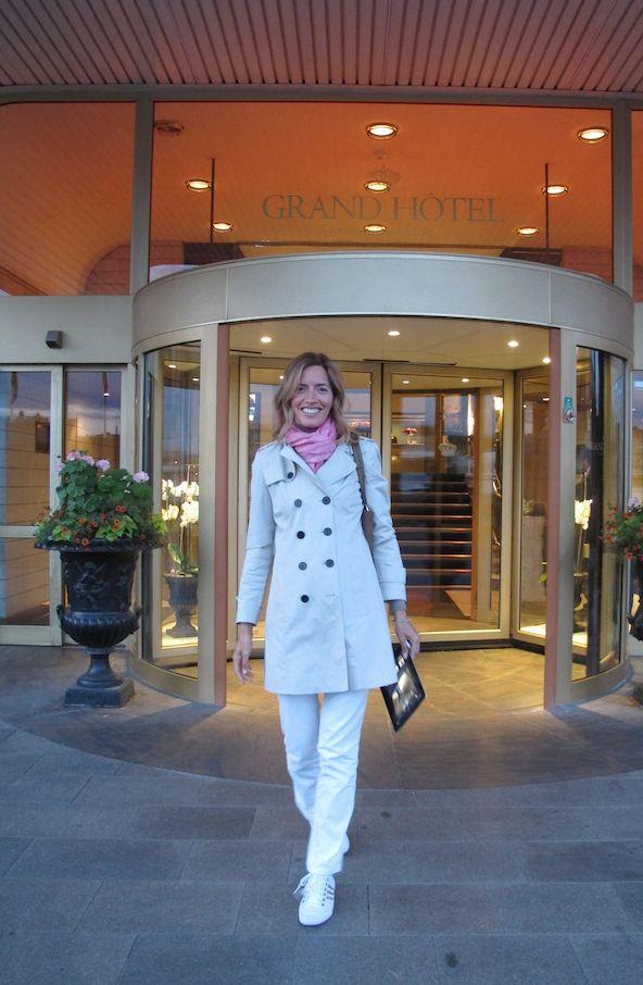 Grand Hôtel Stockholm - Abbiamo cenato nella veranda incantevole (a giugno il sole tramonta tardissimo!) gustando il menu tradizionale dei giorni festivi, lo Smörgåsbord -  www.grandhotel.se