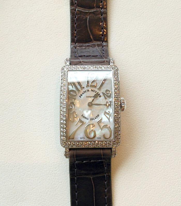 ★I様ご夫妻/フランク ミュラー - ロングアイランド レディース マザーオブパール ダイヤモンド ☆結婚10周年記念でフランク ミュラーのライジングサン、結婚15周年にはロングアイランドを、それぞれの節目に購入しました。結婚20周年をむかえた時には、ペアの時計を探してみたいですね!  〝人生の節目に腕時計を〟
