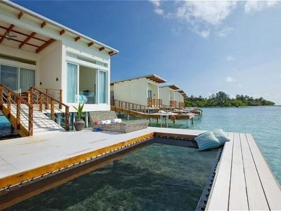 Wow~ I could take this Holiday Inn!Holiday Inn Resort Kandooma Maldives