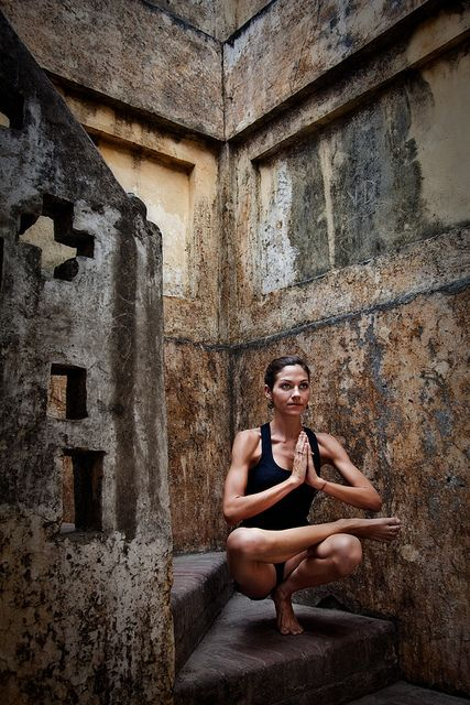 Toe stand: Body, Inspiration, Yoga Poses, Fitness Workout, Health, Yoga Goal, Asanas