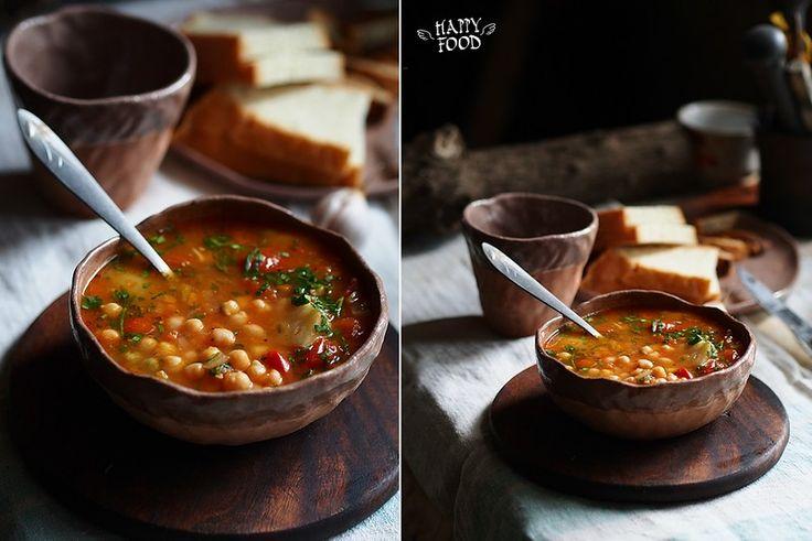 Нутово-томатный суп с чили и перцем