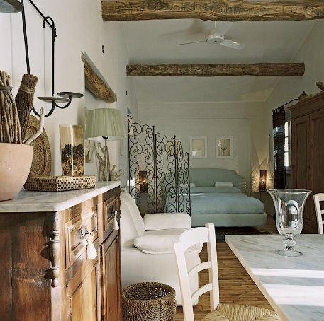 Suite, Wood