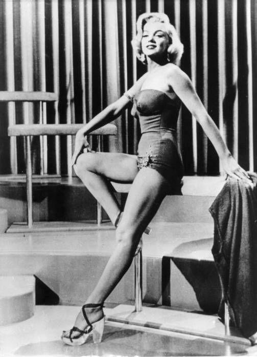 Ota käyttöön Marilyn Monroen kauneuskikat: Helppo aamutreeni ja erikoinen ruokavalio