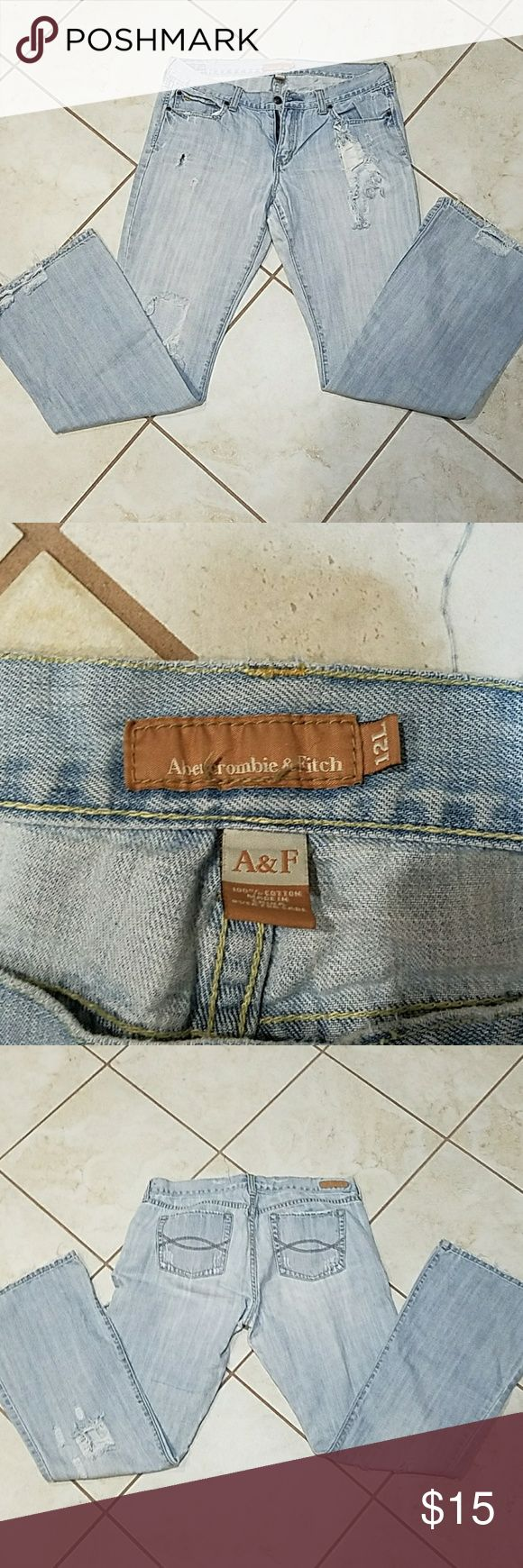 Woman's Abercrombie and Fitch Jeans Woman's Abercrombie and Fitch Jeans... Used but in good condition... Sizing reads 12 long... Abercrombie & Fitch Jeans Boot Cut