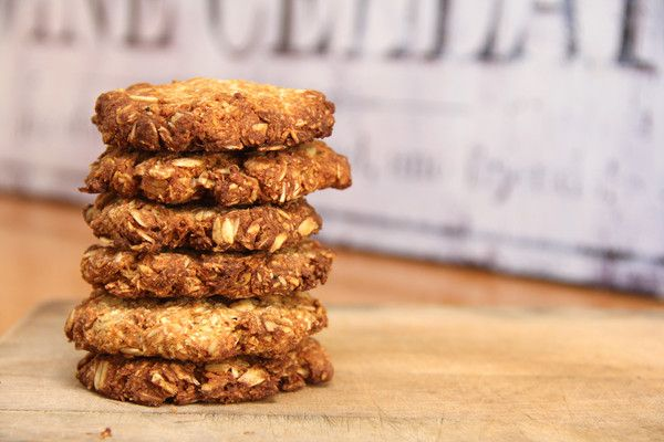 In honour of ANZAC Day, I created a recipe for a healthy version of an old classic. They are free of refined sugar and dairy, and they're just as good as the originals!