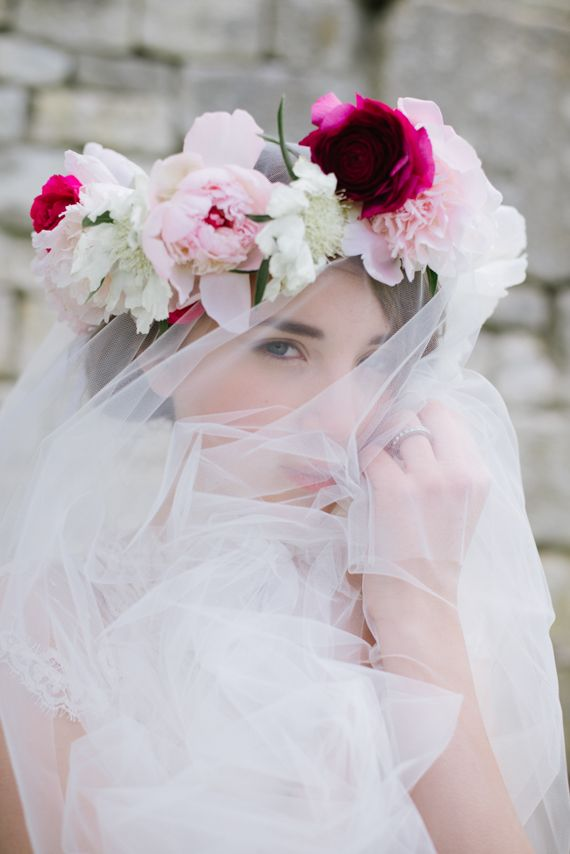 Floral crown and veil | Photo by Elisabetta Marzetti | Read more -  http://www.100layercake.com/blog/?p=76709åç