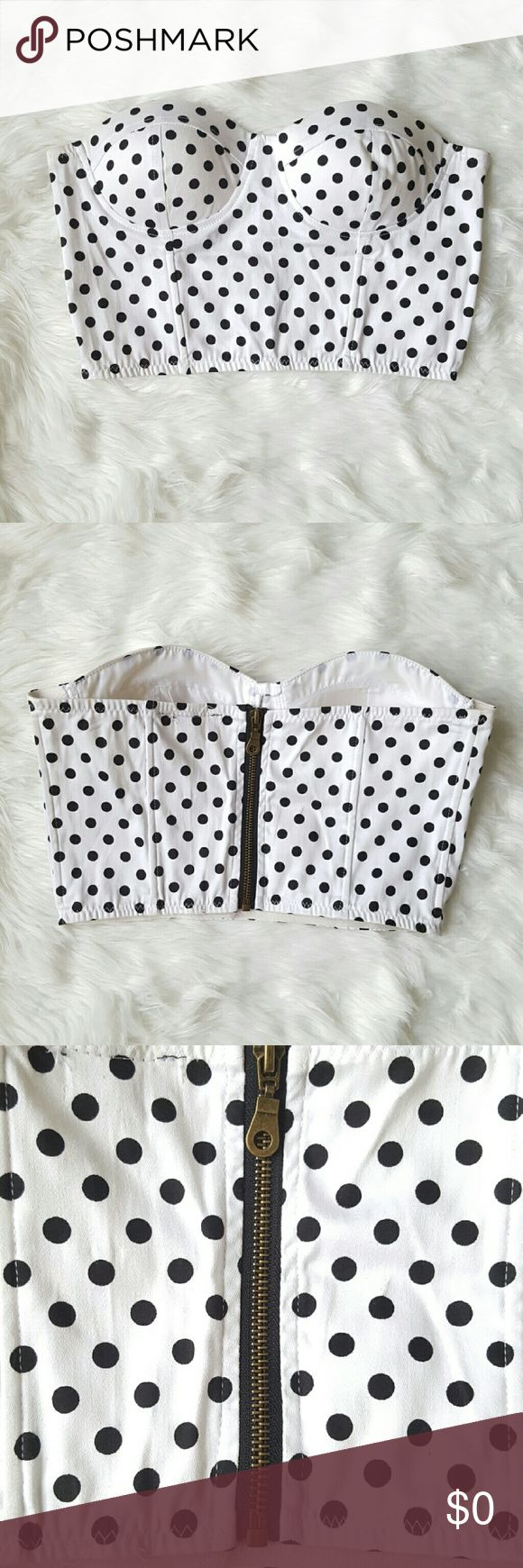 Polka Dot Crop Top A flirty strapless crop top with a fun polka dot pattern. It is padded and has a zipper closure. Measurements will be provided upon request. Tops Crop Tops