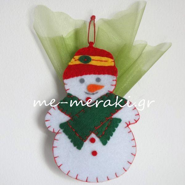 Handmade mpomponiera Me Meraki Mpomponieres Χειροποίητη μπομπονιέρα βάπτισης, χιονάνθρωπος τσόχα στολίδι κρεμαστό για το χριστουγεννιάτικό δέντρο. Με Μεράκι Μπομπονιέρες www.me-meraki.gr Μπομπονιέρα Βάπτισης ΥΦ067-Β