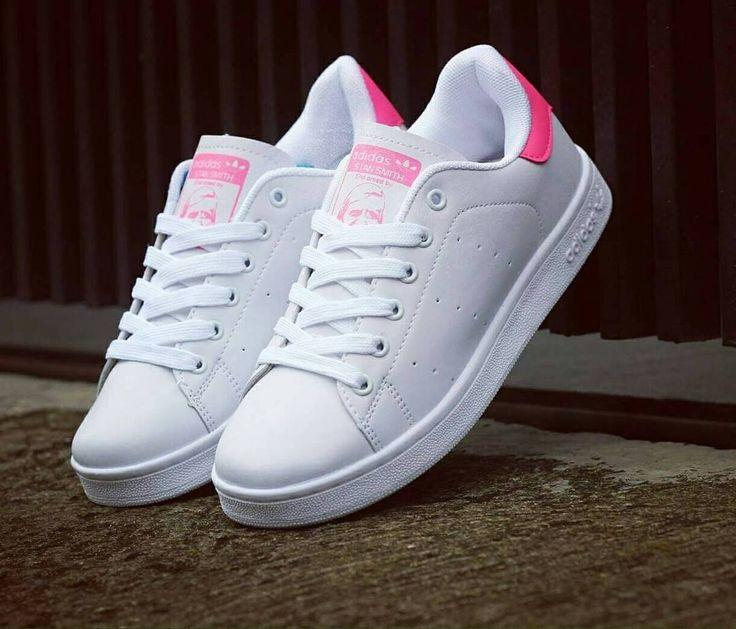ASSALAMUALAIKUM yuk yang lagi cari sepatu keren dan berkualitas chek di @grosier_shoes karena belanja di @grosier_shoes yang akan bikin kalian puas dengan bahan berkwalitas dan harga super hemat @grosier_shoes AGEN SEPATU_JAKARTA