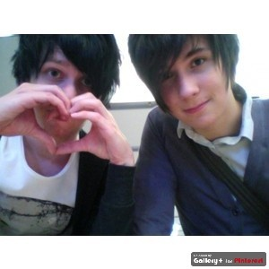Dan Howell & Phil Lester.... can anyone tell me why they were not popular at school at a young age i mean come on....