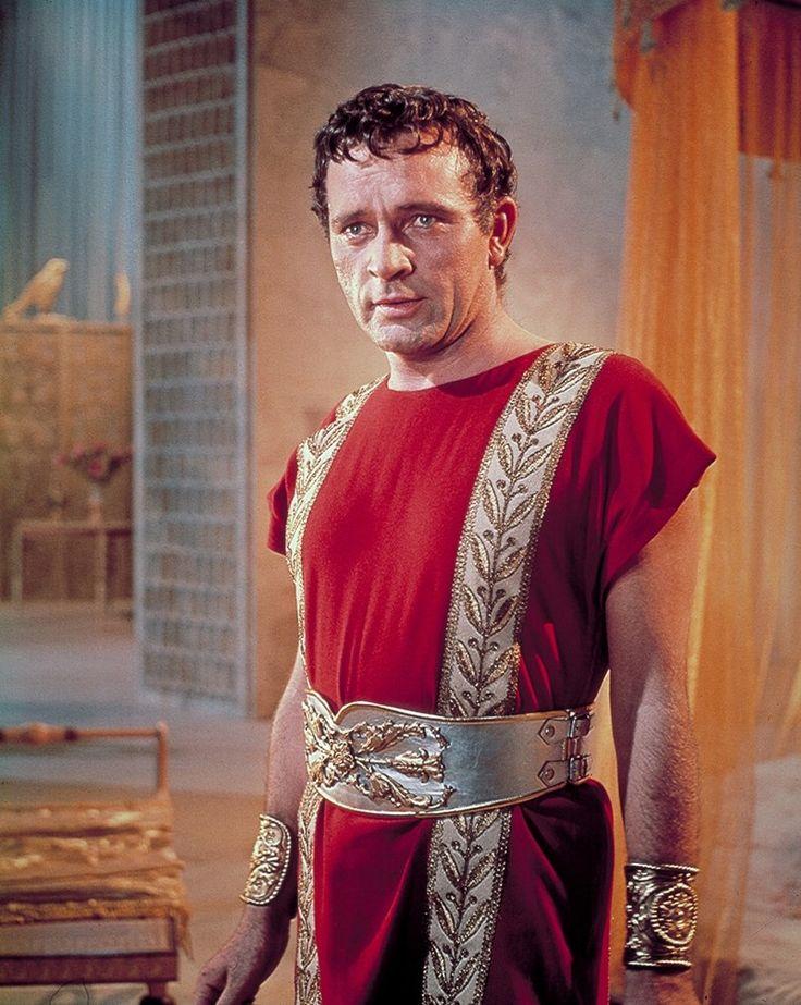 Richard Burton in Cleopatra 1963
